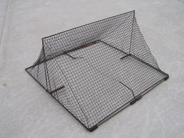 TW45 - Tent spring trap for trapping waders. Base dimensoins: 45x45 cm